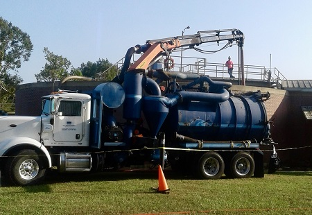 Combination3® Truck at work on Quincy's Digester while in service.